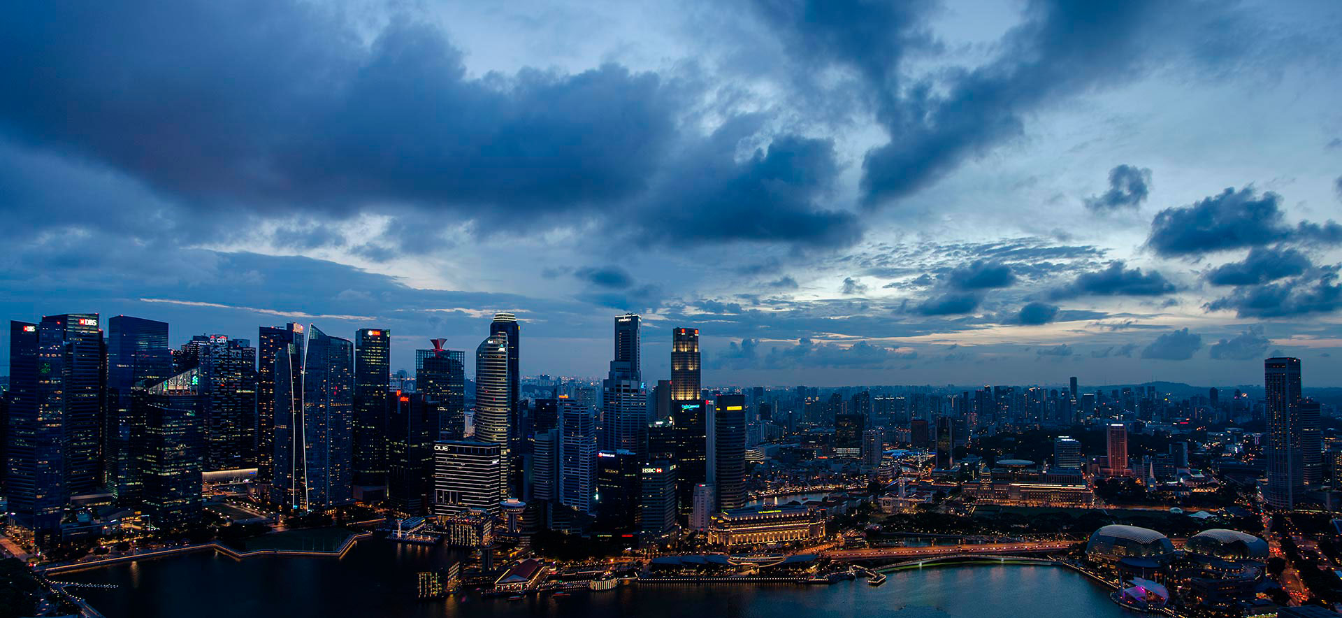 Architectuurfotografie avondfotografie nightphotography skyline Singapore